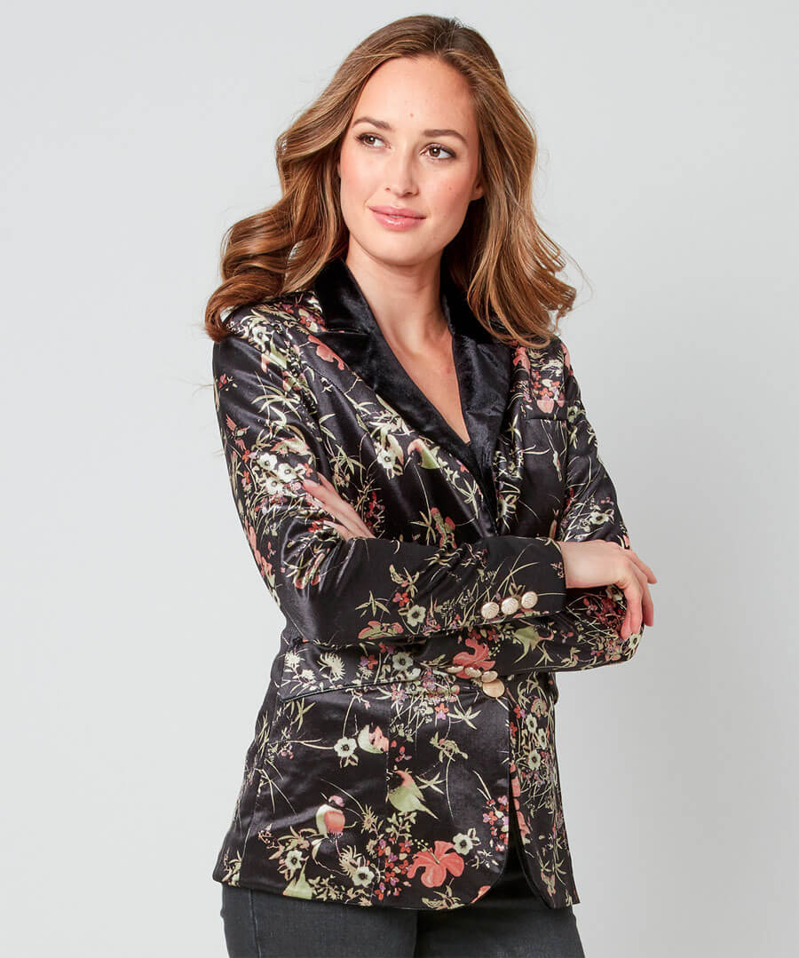 Valentina Velvet Jacket Model Front