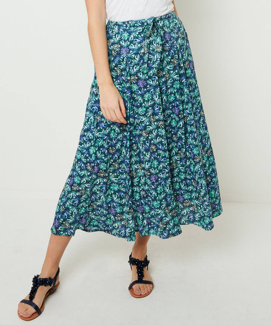 Delicious Palm Print Skirt Model Front