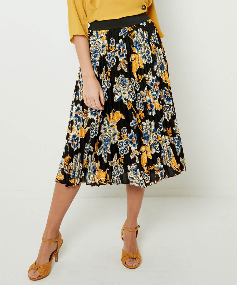 Capsule Collection Pleated Skirt Model Front