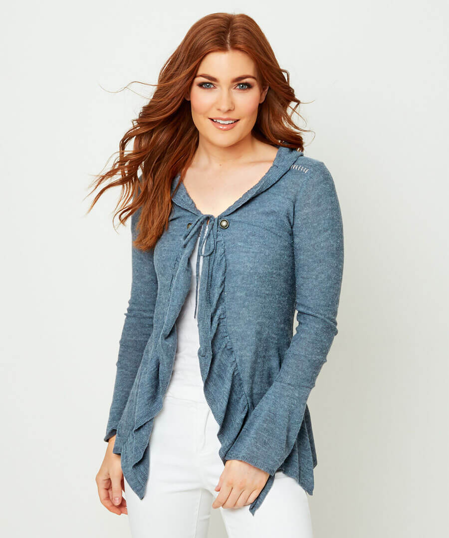 Easy Layering Top Model Front