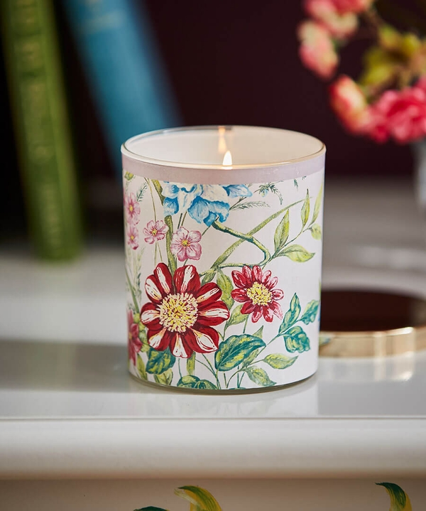 Pretty Fresh Floral Candle