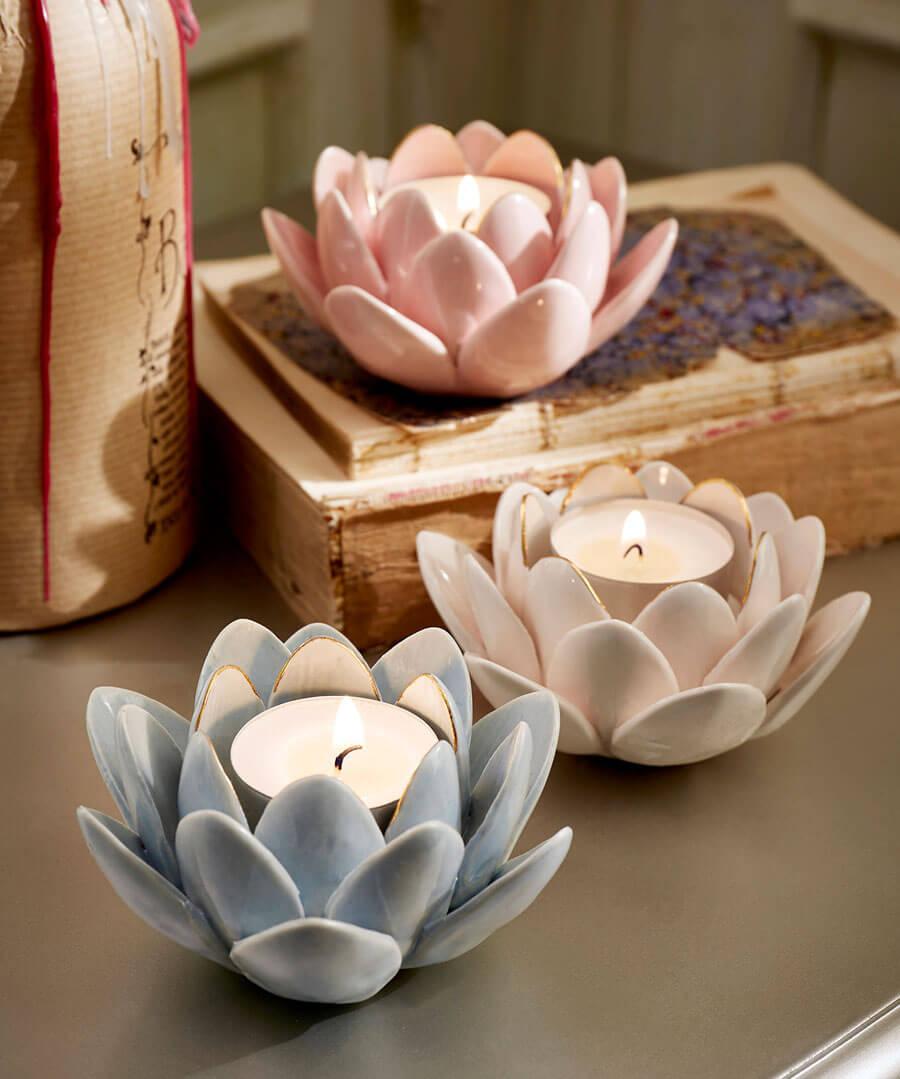 Set Of 3 Blossom Flower Tealights Model Back