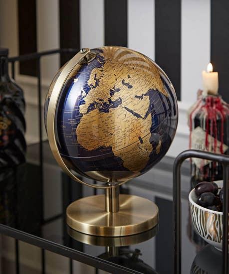 Gold 27cm Globe