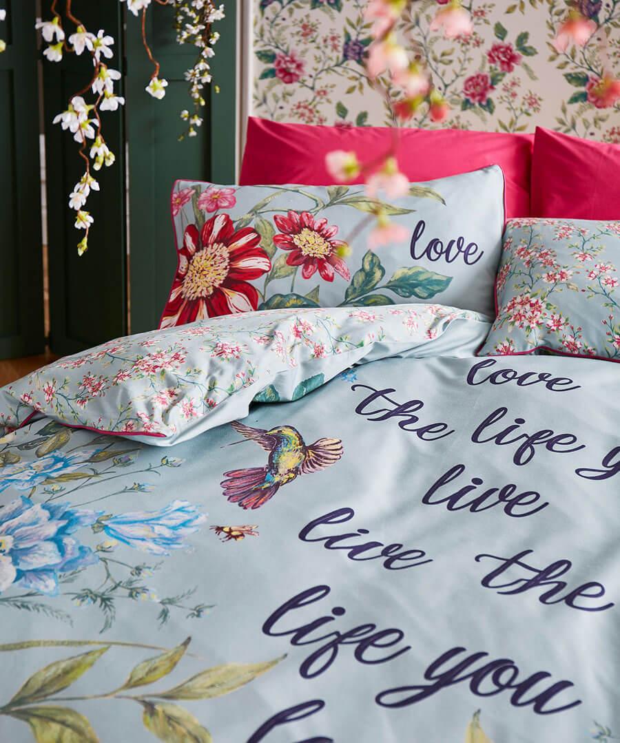 Love Life Duvet Set (DBL) Model Back