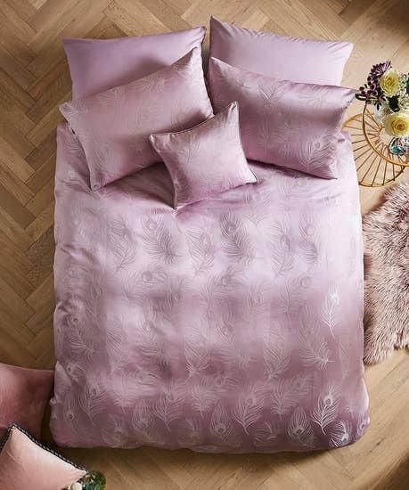Luxury Jacquard Feather Bedset