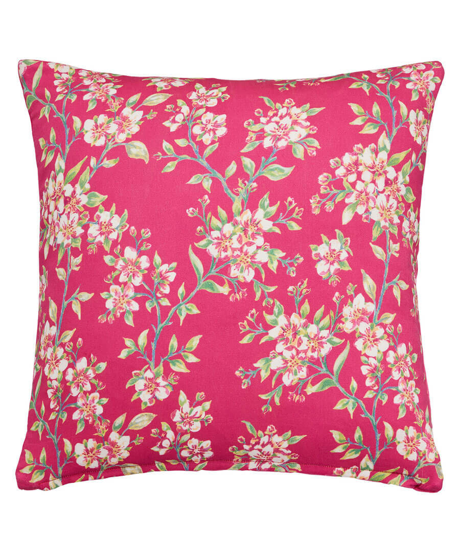 Cosy Quilted Cushion Model Front
