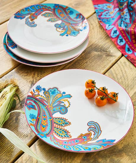 Set Of 4 Perfect Paisley Dinner Plates
