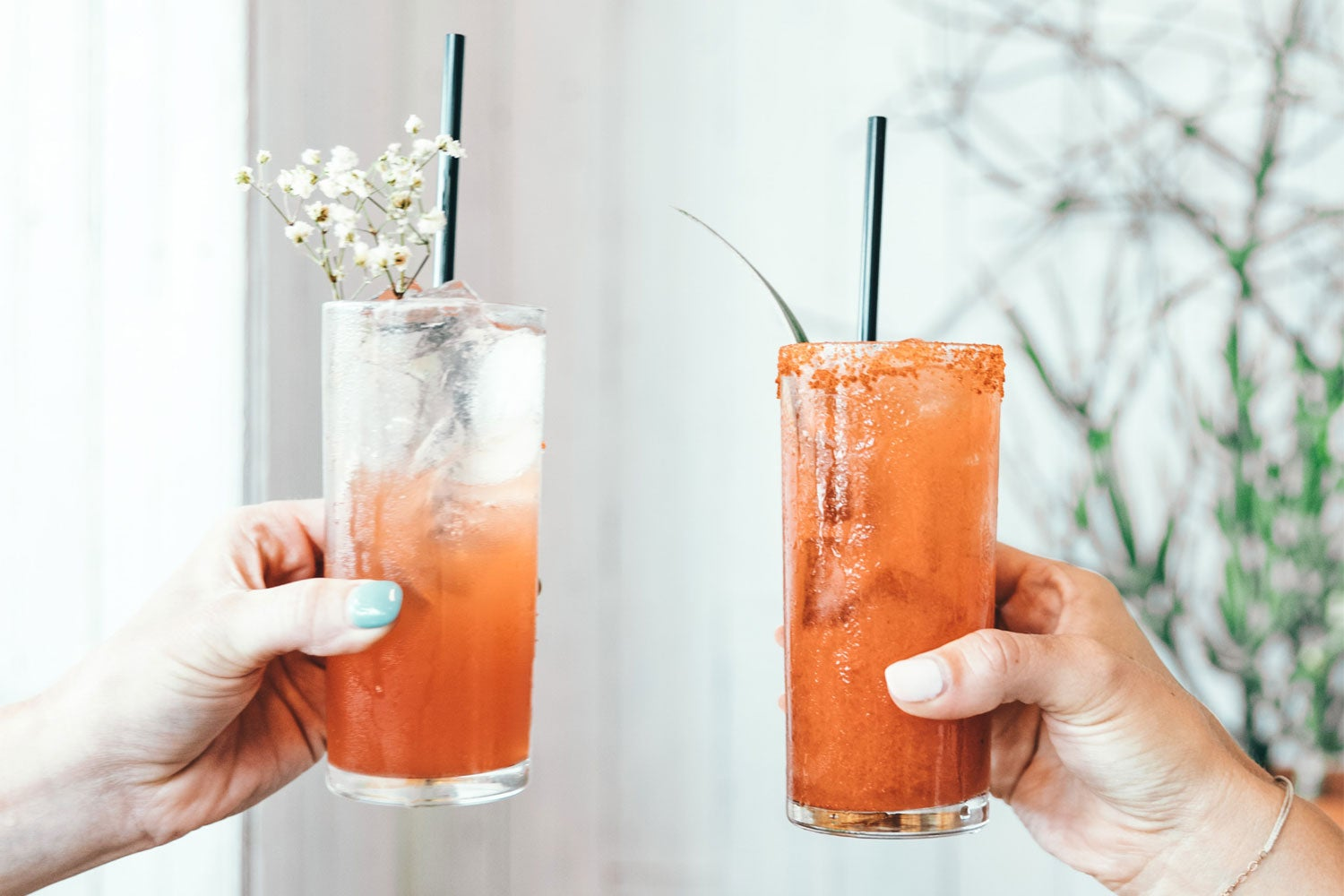 Simple Cocktail Recipes For Your Date Night At Home!